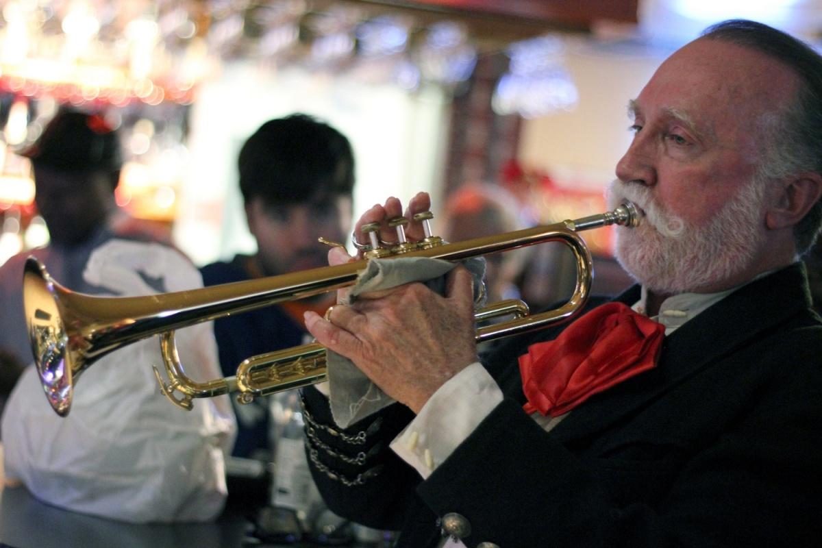 Wednesday Night Jazz Jam @Nesby's – SunsetHills