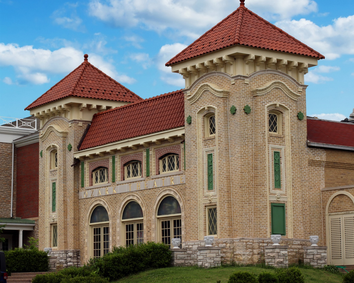 Renewed Elegance – The Webster Groves ConcertHall